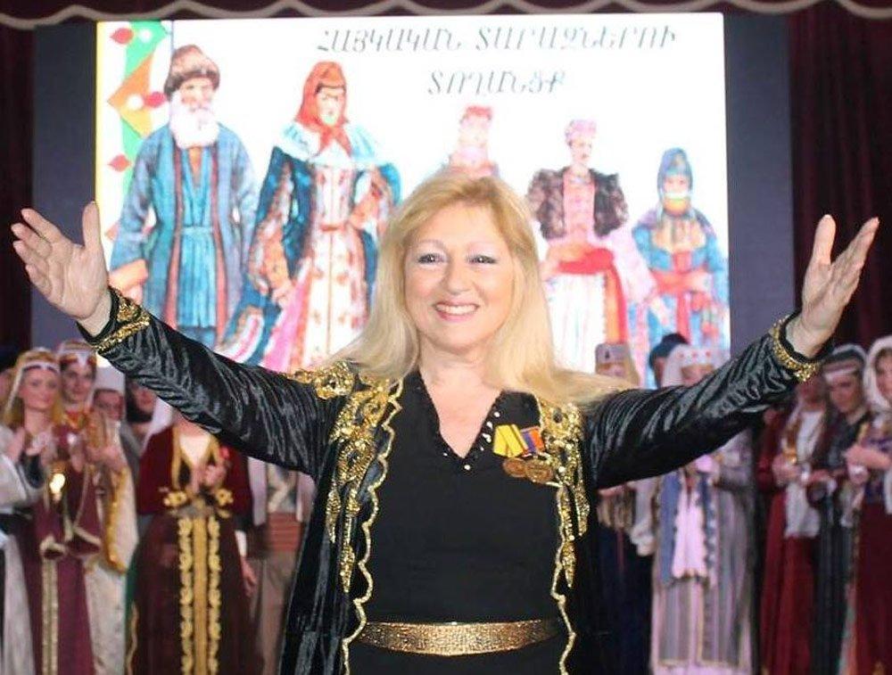 Ermeni Kıyafetleri Defilesi